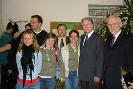 General Conference president J.Paulsen meets church members in Lithuania (From right: TED president Bertil Wiklander, GC president Jan Paulsen)