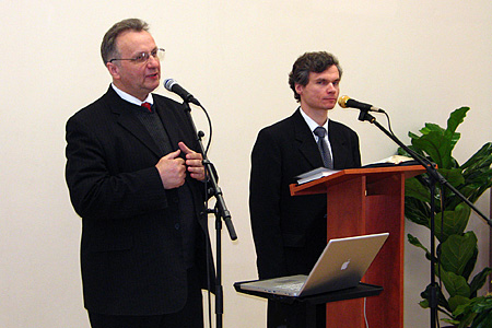 Chairman of the Lithuanian Mission Field Constituency meeting — BAUC president Valdis Zilgalvis (to the left). Lithuanian Mission Field president Bertold Hibner (to the right).