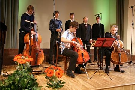 Closing worship service of Baltic Union Conference Constituency meeting [Rīga, Latvia] 2009.06.06. Ensemble of Āriņš family.